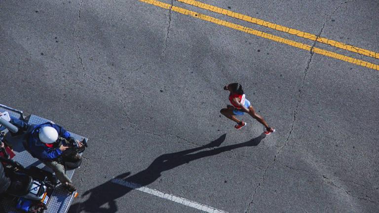 Ventajas de aplicarse vaselina deportiva al entrenar para una maratón