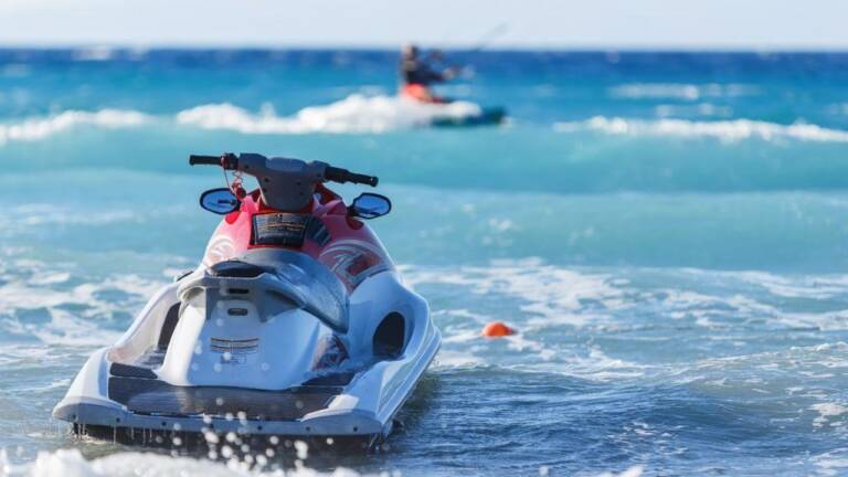 Qué debes tener en cuenta para disfrutar de tu moto de agua